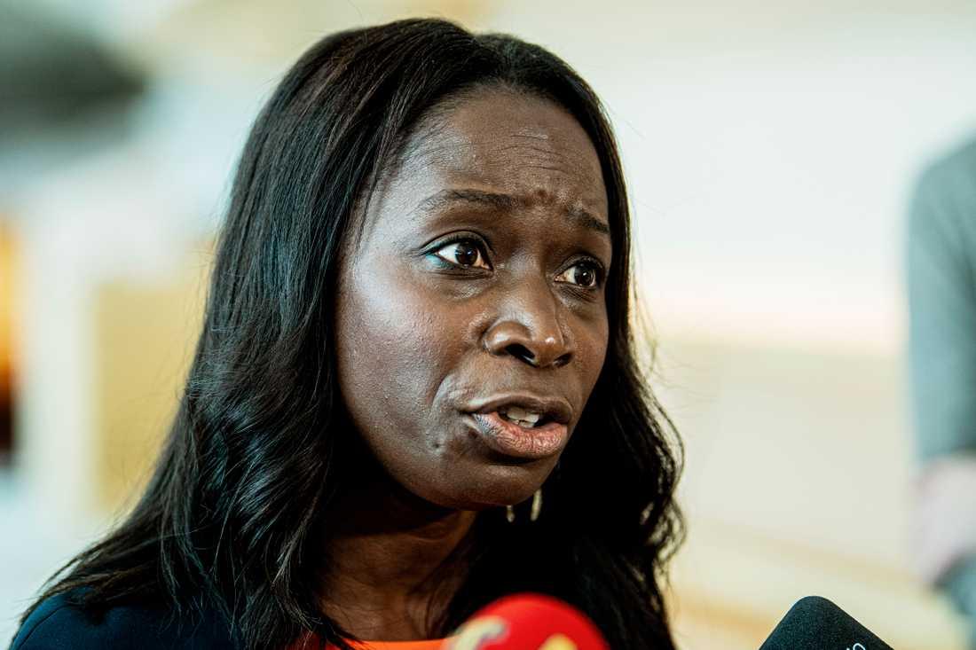Den interna kritiken mot Liberalernas ordförande Nyamko Sabuni växer.