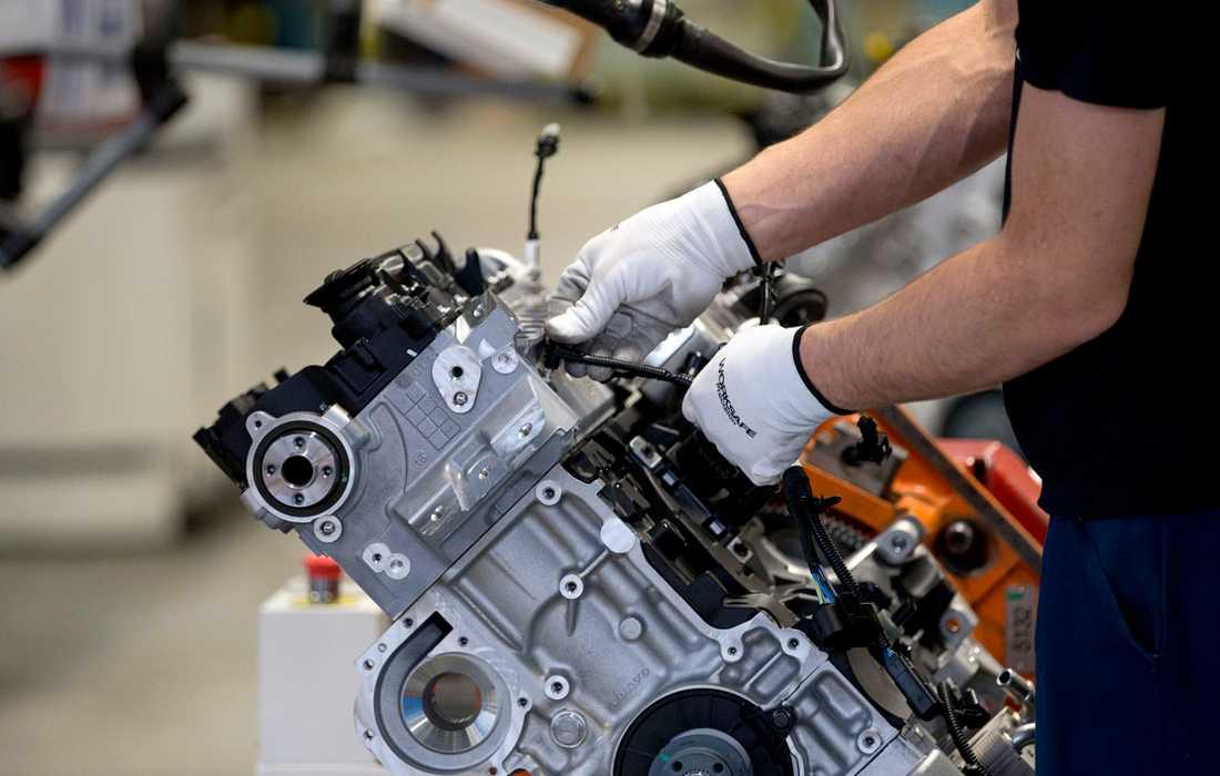 Utan investeringar och ny teknik skulle Volvos motorfabrik i Skövde snart vara borta.