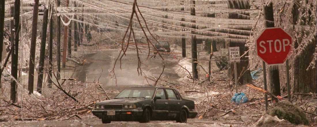 PANSAR AV IS 1998 lamslogs stora delar av den amerikanska östkusten av en isstorm som täckte allt med ett tjockt pansar av is. Nu vill den svenska regeringen veta hur Sverige skulle klara sig om en isstorm slår ut viktiga samhällsfunktioner.