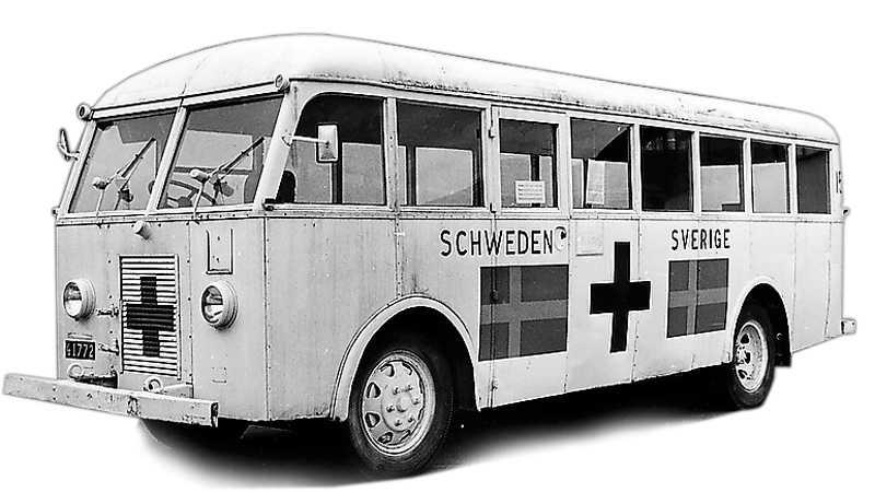 Folke Bernadottes vita bussar räddade 15000 krigsfångar 1945.