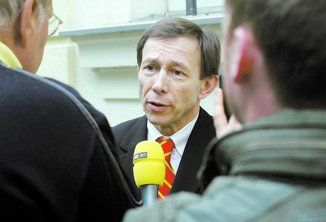 Försvar Advokaterna Rudolf Mayer (bilden) och Phillip Winkler ska försvara Josef Fritzl.