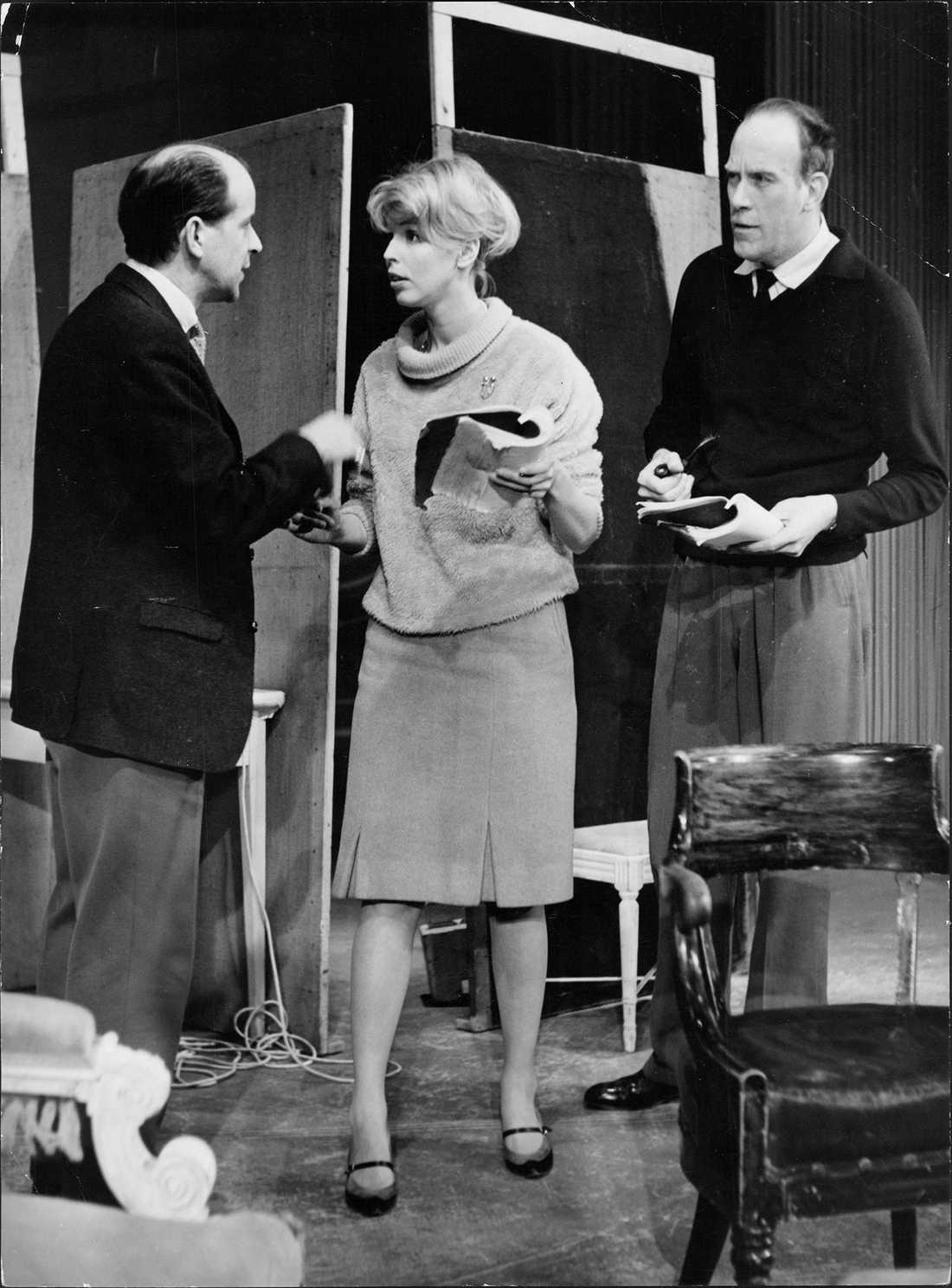 1960 Ingvar Kjellson, Meg Westergren och Torsten Lilliecrona. Osäkra uppgifter om pjäsens namn.