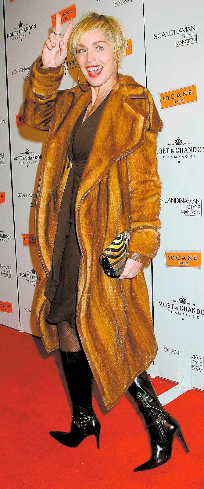 Sharon Stone ställde upp som värdinna.
