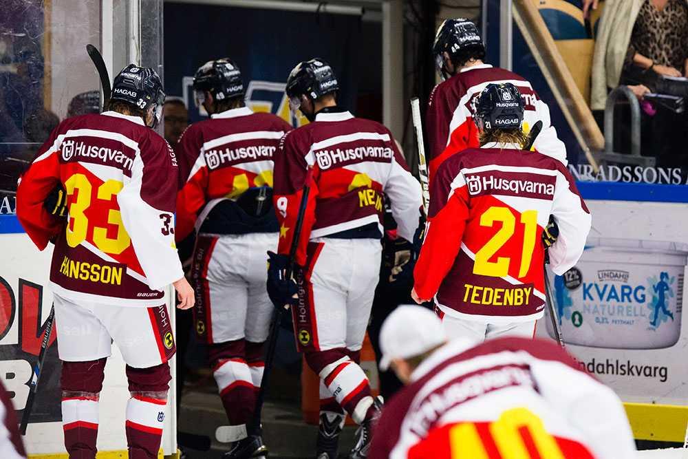 HV-spelare lämnar isen efter förlusten