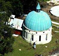 St Russells Basilika Nästan 2 miljoner kronor har Russell Crowes privata kapell kostat honom. Nu kan det rivas på grund av en glömd ansökan.