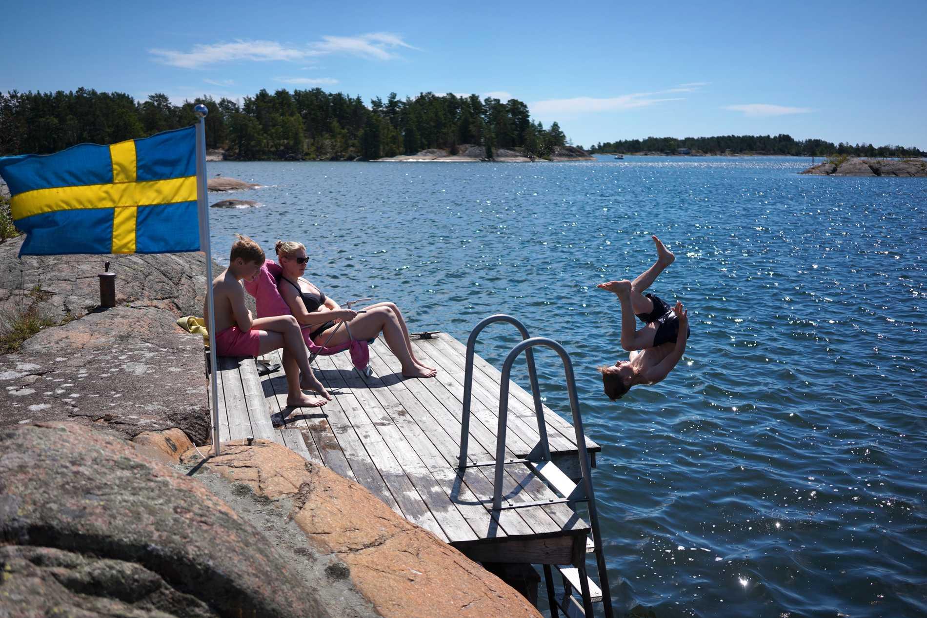 En härlig grej att göra när värmen trycker på är att bada.