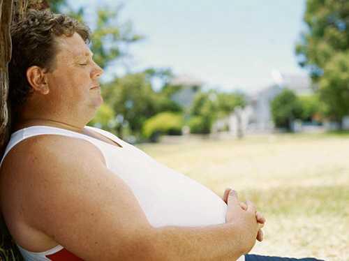 Att sova några timmar extra kan minska hungerskänslorna – och göra under för fettförbränningen.