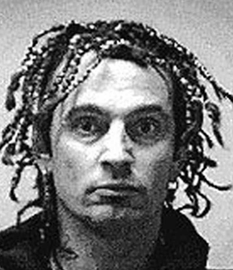 Tommy Lee, 49, var villkorligt frigiven från en annan incident när dåvarande hustrun Pamela Anderson, 44, anmälde honom för misshandel 1998. Mötley Crüe-medlemmen dömdes till sex månaders fängelse (han släpptes efter fyra månader), tre års skyddstillsyn och 200 timmars samhällstjänst. Dessutom fick han donera 35 000 kronor till en kvinnojour.