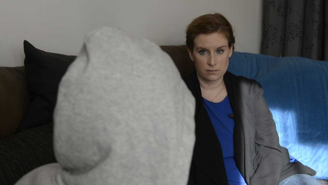 När Emma sökte hjälp hos psykiatrin blev hon tvångsvårdad av en sexualförbrytare.