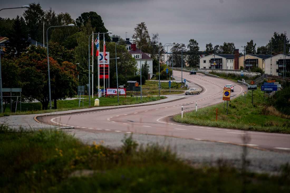 Här frontalkrockade två bilar natten mot söndagen på riksväg 90 i Kramfors.