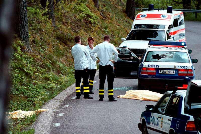 15 år sedan i dag Det var den 28 maj 1999 som polismännen Olov Borén, 42, och Robert Karlström, 30, sköts ihjäl i Malexander av Andreas Axelsson, Jackie Arklöv och Tony Olsson. Bankrånarna var på flykt efter att ha slagit till mot Östgöta enskilda bank i Kisa.