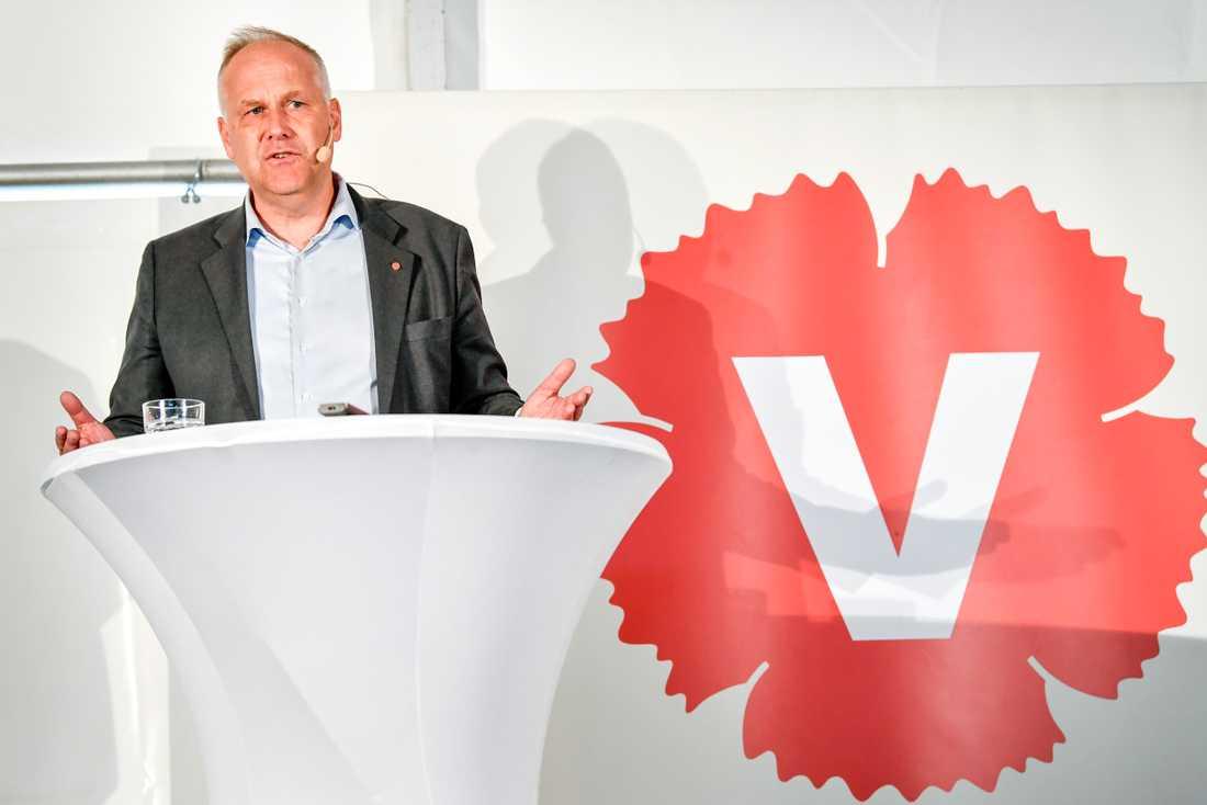 Vänsterpartiets partiledare Jonas Sjöstedt håller pressträff under Vänsterpartiets dag på politikerveckan i Almedalen.