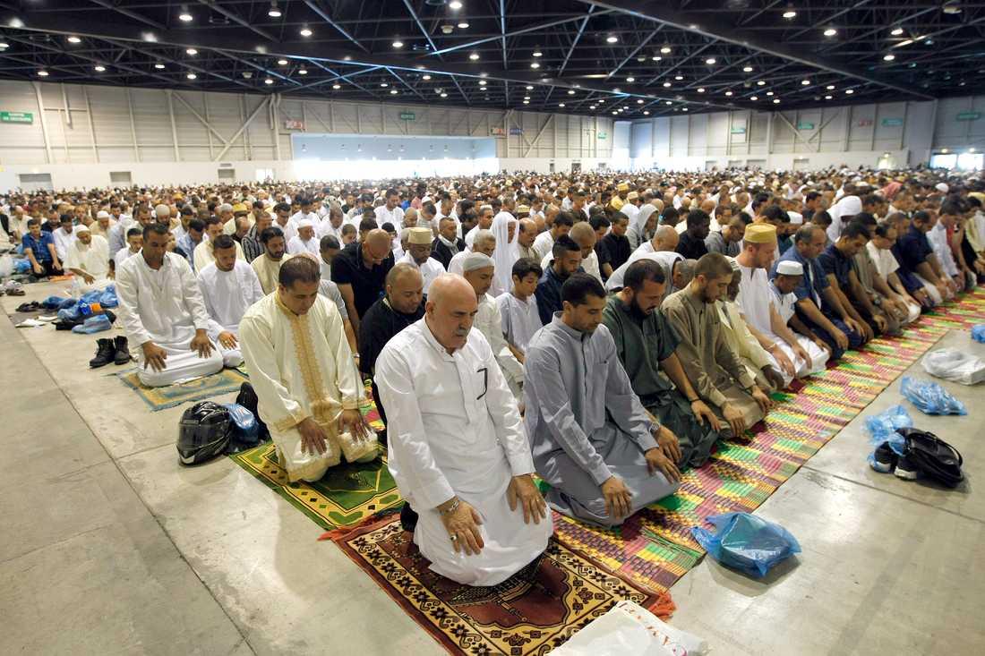 Frankrike lättar på reglerna för religiösa sammankomster. Bilden tagen i samband med id al-fitr 2014 i Marseille.