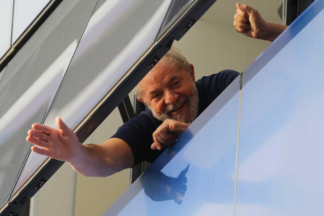 Brasiliens tidigare president Luiz Inácio Lula da Silva får ett av sina två långa fängelsestraff kortat. Arkivbild.