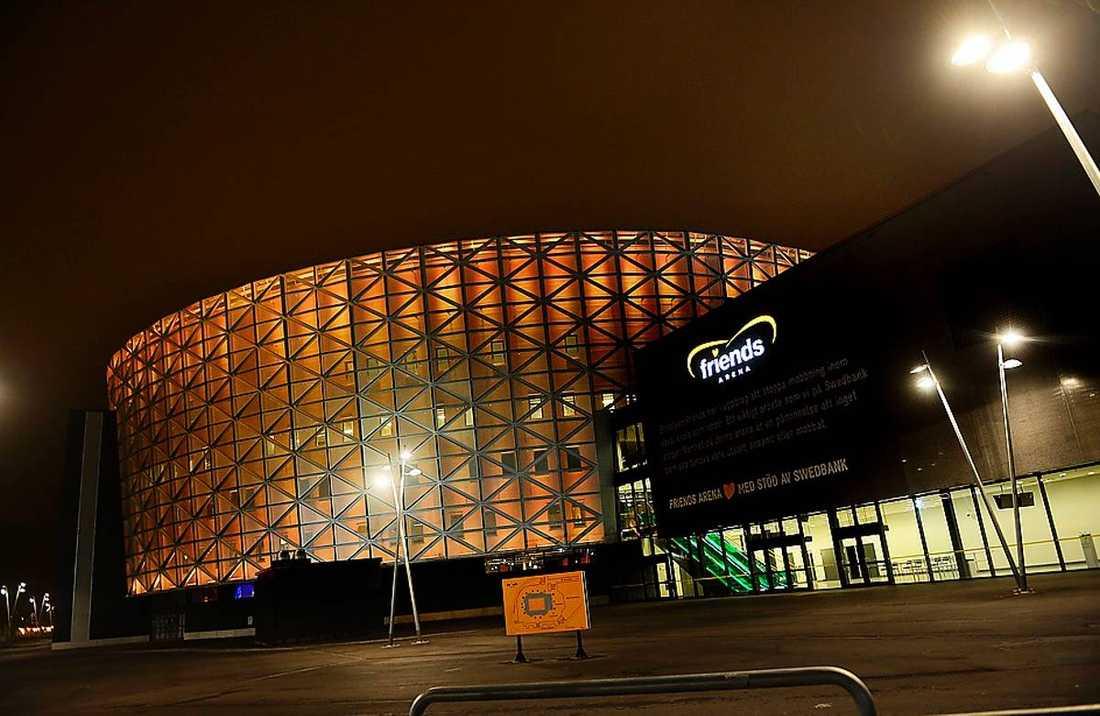 Friends arena drabbades av akuta problem med ventilationen under genrepet inför finalen i kväll.