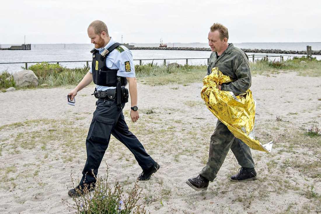 Peter Madsen efter att ha räddats ur vattnet..