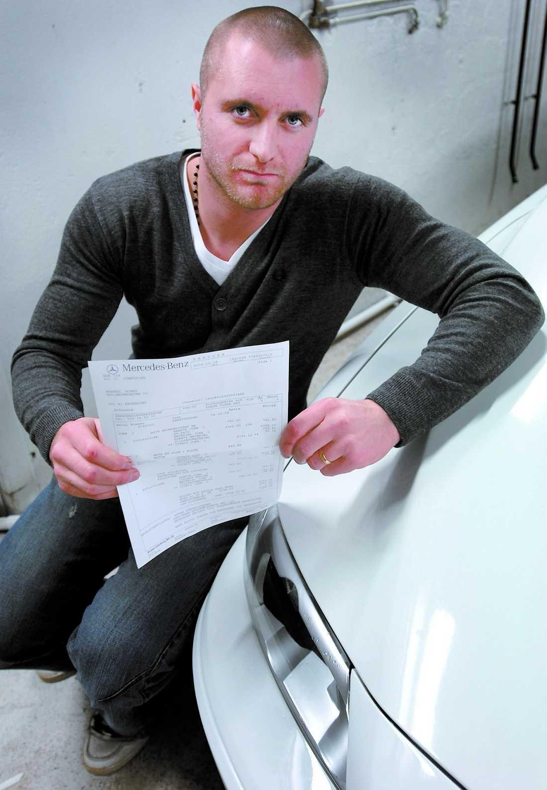 drömmen krossad Bobby Moberg gav en halv miljon för sin lyxbil – men fick aldrig köra den. Räkningen från bilfirman tänker han inte betala.