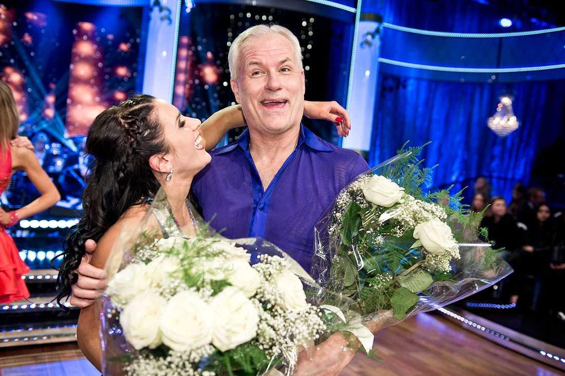 "Glenn är glad i ett annat program: ""Let's Dance""."