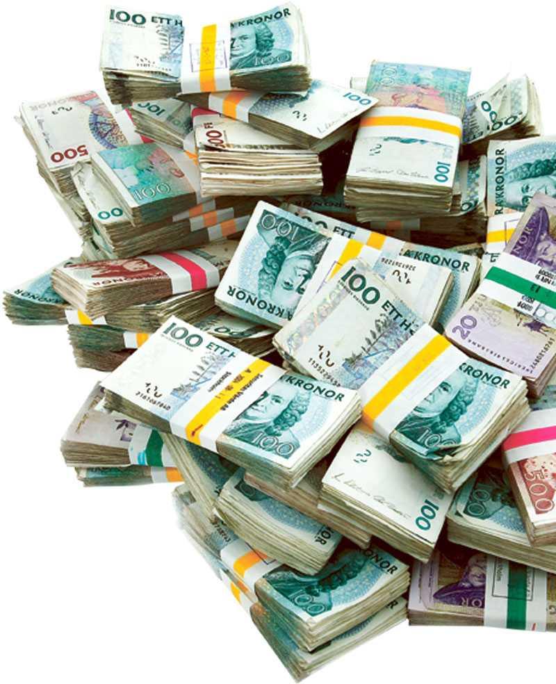 På Moderaternas partistämma finns förslag om egenmaktskonto, där kontant sparande upp till ett belopp skattebefrias.