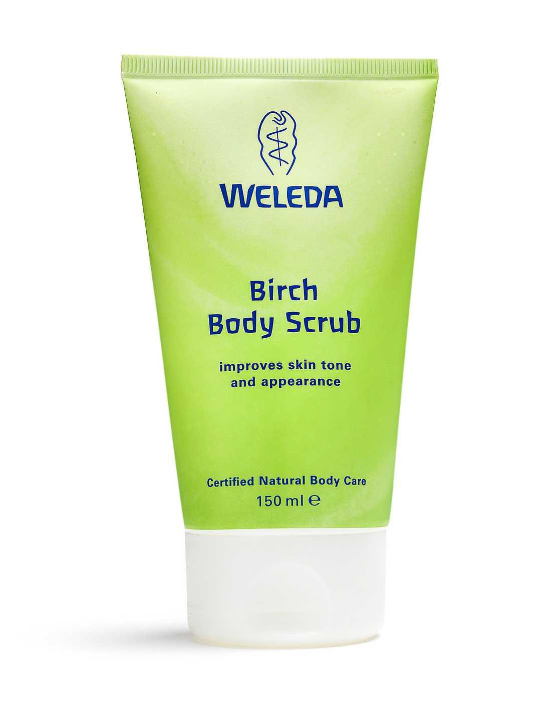 """Peeling Peeling med vaxpärlor skrubbar huden samtidigt som den  återfuktas med naturliga oljor. """"Birch body scrub"""" från Weleda kostar 149 kronor."""