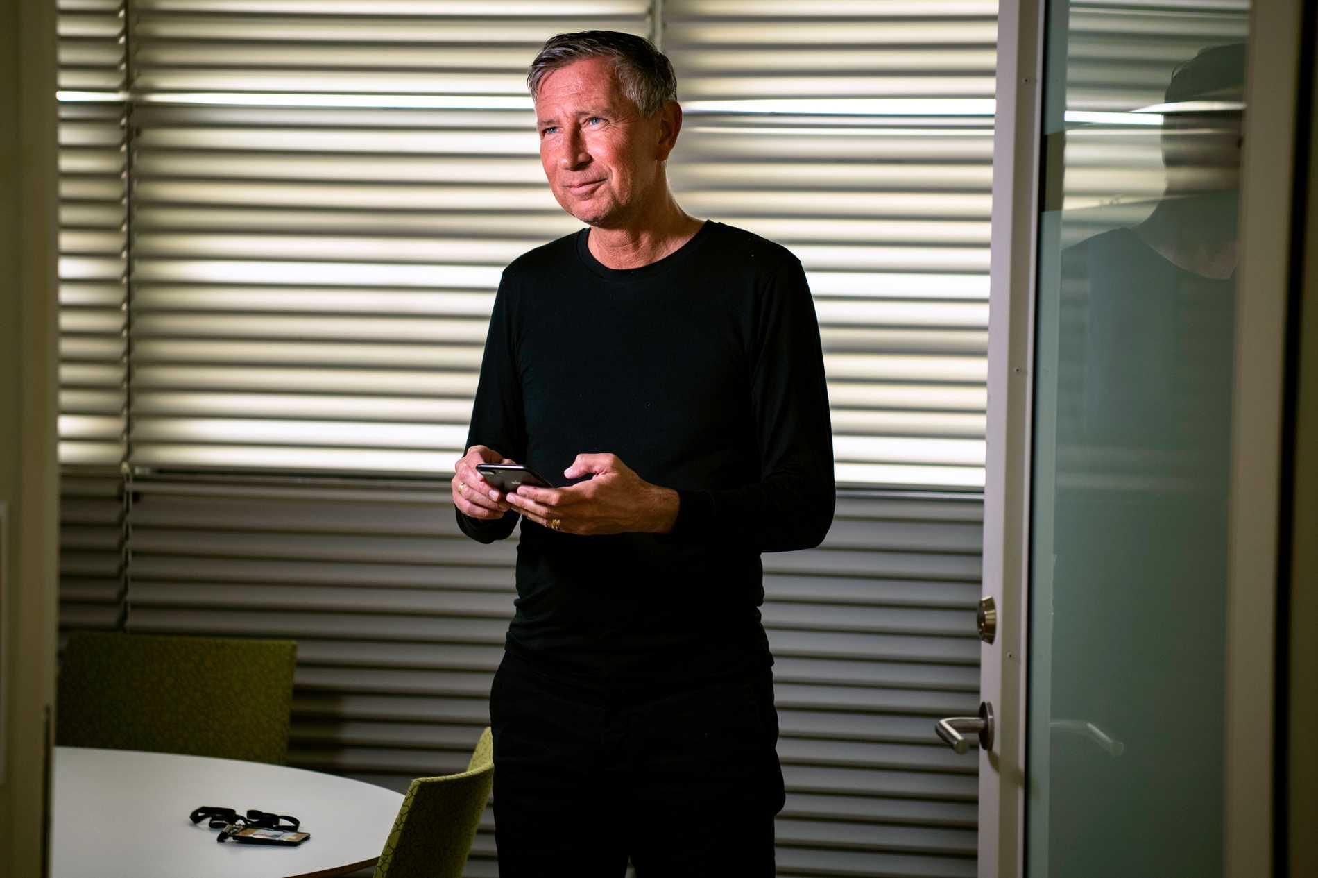 """Richard Bergström säger att han har mycket mejlkontakt med Anders Tegnell. """"Han är jättebra på det. Ofta får man bara ett kort mejl. """"Tack"""". """"Bra"""". Han är väldigt effektiv på det sättet."""""""