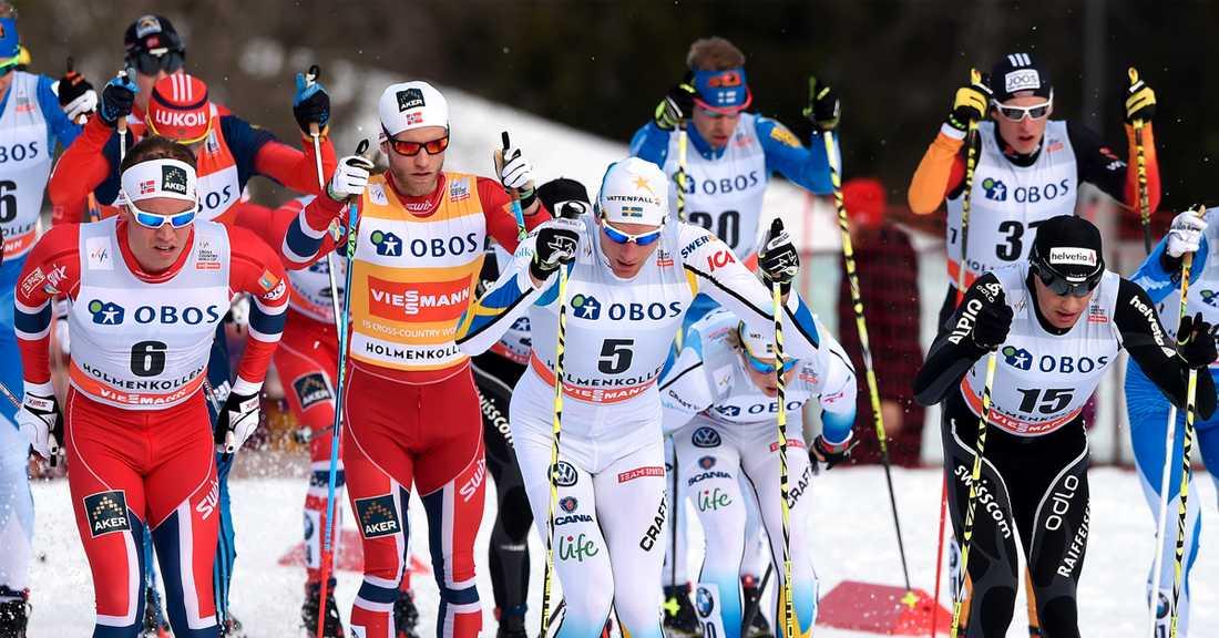Dario Cologna (höger) vann Holmenkollens femmil förra säsongen.