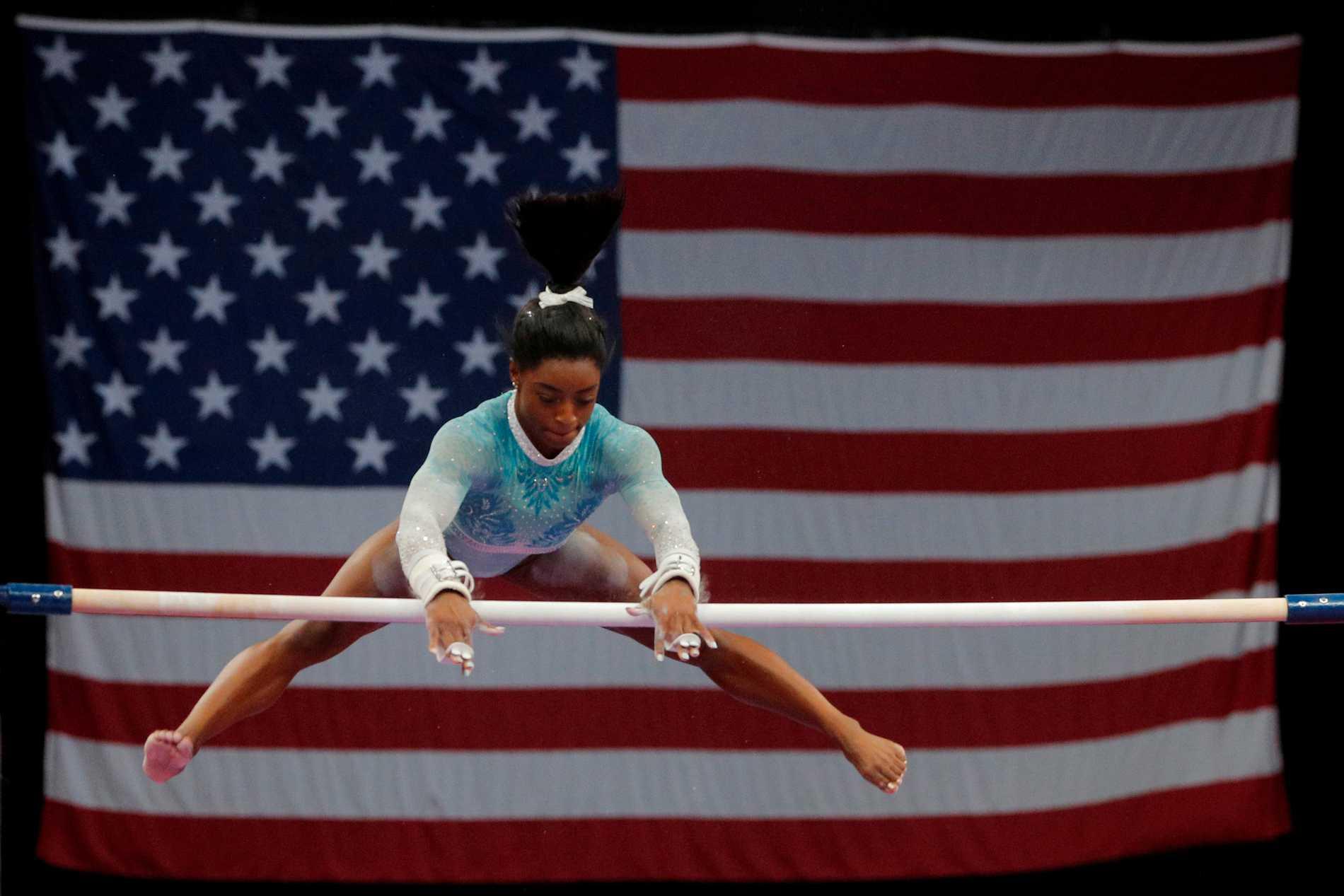 Simone Biles under VM i gymnastik i Doha.