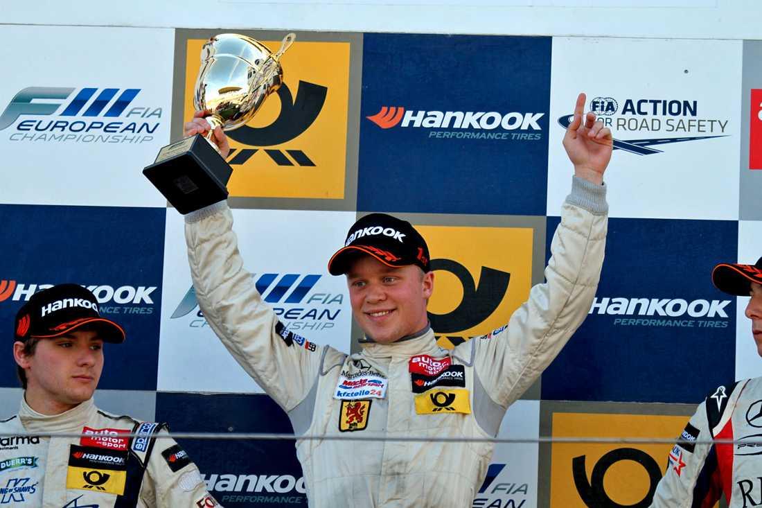 Felix Rosenqvist fortsätter att vinna lopp
