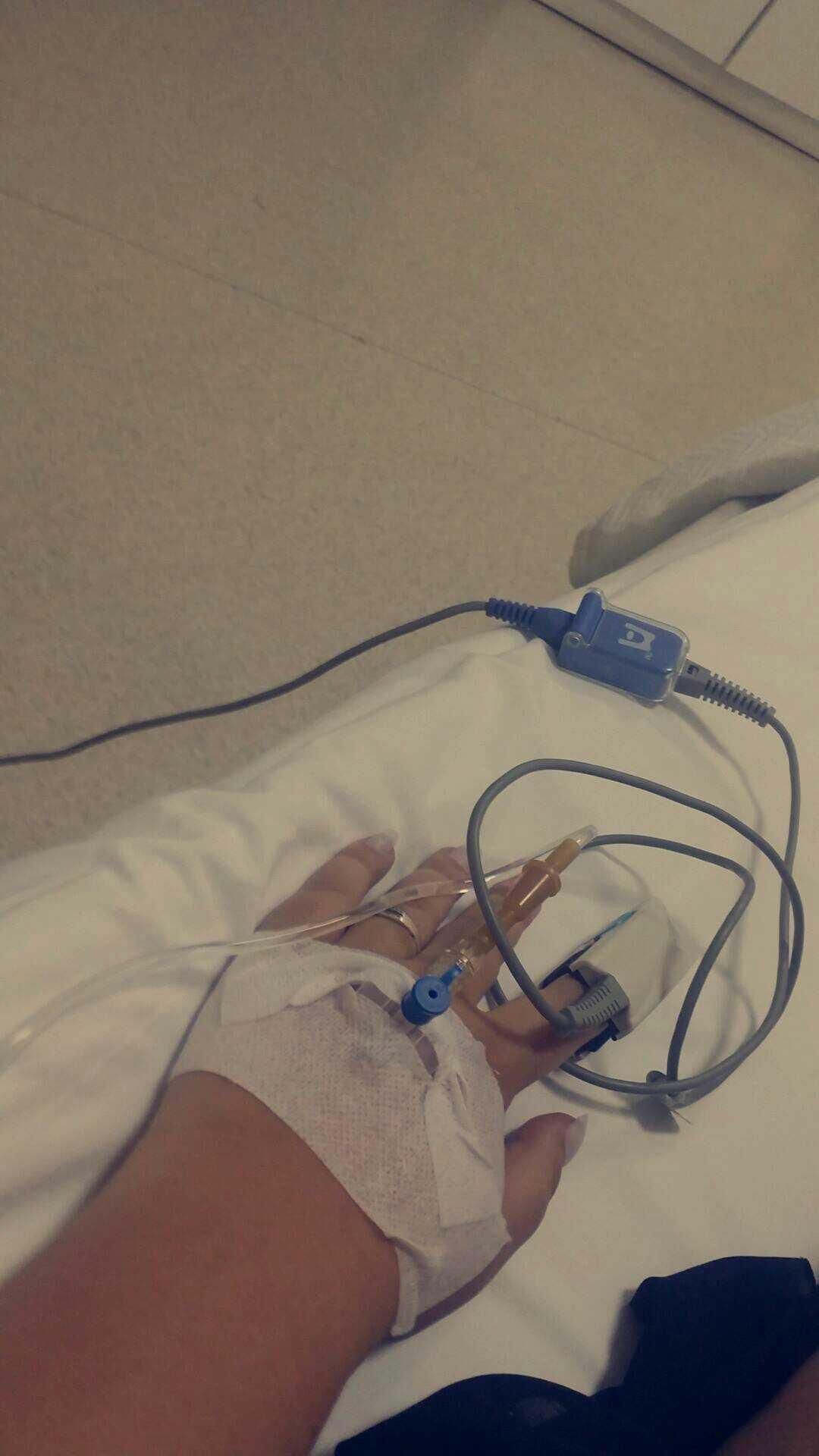 Isabell fick både syrgas och dropp på sjukhuset.