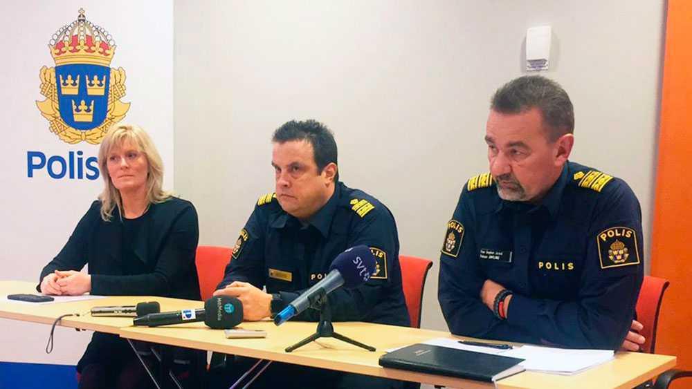 Polisen i Östersund höll en presskonferens för att informera om våldsvågen mot kvinnor. Sanna Matsson, förundersökningsledare, Peter Moberg, lokal polisområdeschef och Stephen Jerand, polisområdeschef Jämtland.