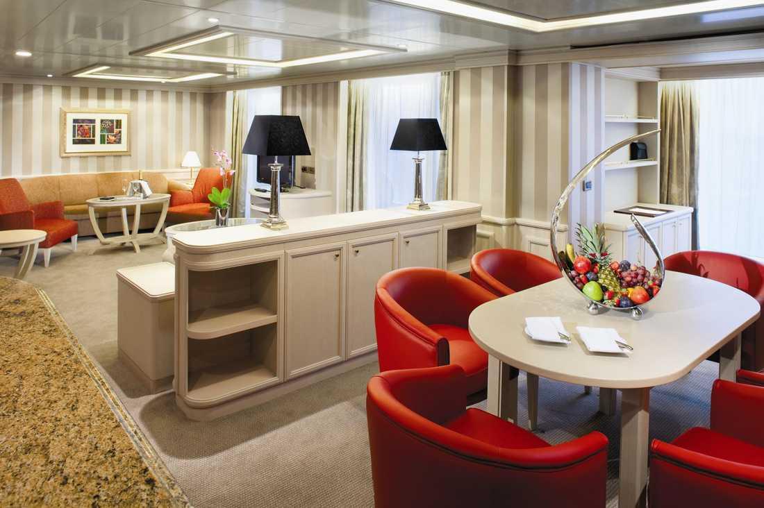 Owners suite är de största hytterna ombord och finns med både ett och två sovrum. Inklusive en rejält tilltagen veranda så är de på 120 respektive 150 kvadratmeter.