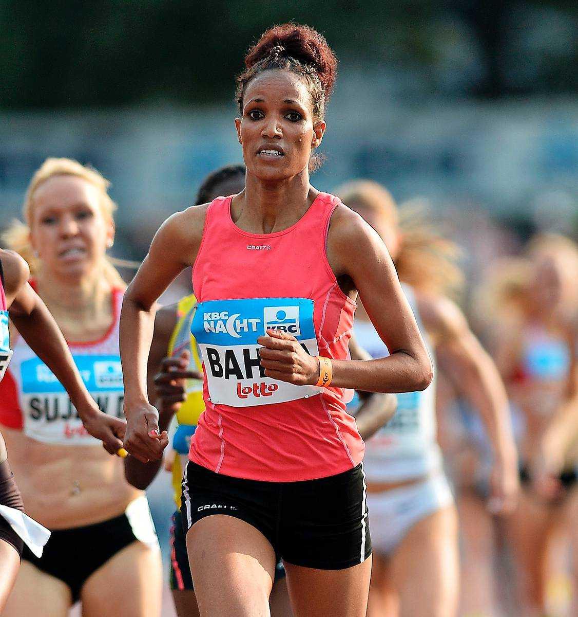 Meraf Bahta slog till med personligt rekord i årsdebuten på 5 000 meter.