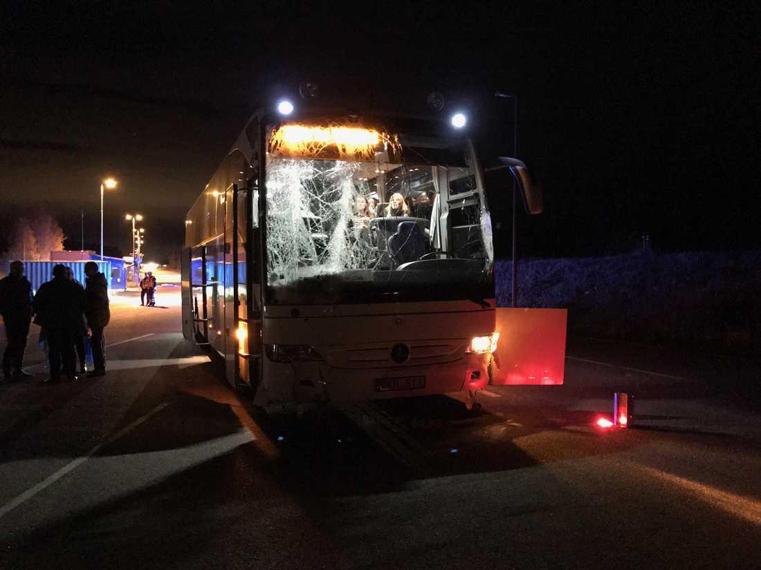 Bussen efter olyckan