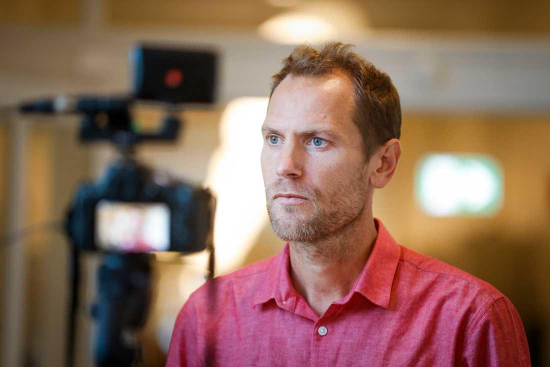 """""""Vi är förstås rädda för att det ska börja stiga igen, men så här långt ser det väldigt positivt ut"""", säger Fredrik Settergren, verksamhetsområdeschef vid Nära vård och hälsa och ansvarig för provtagningen i Region Uppsala."""