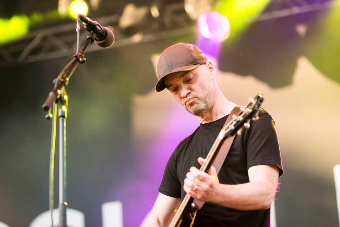 Fredrik Norberg, sångare och gitarrist i Popsicle.