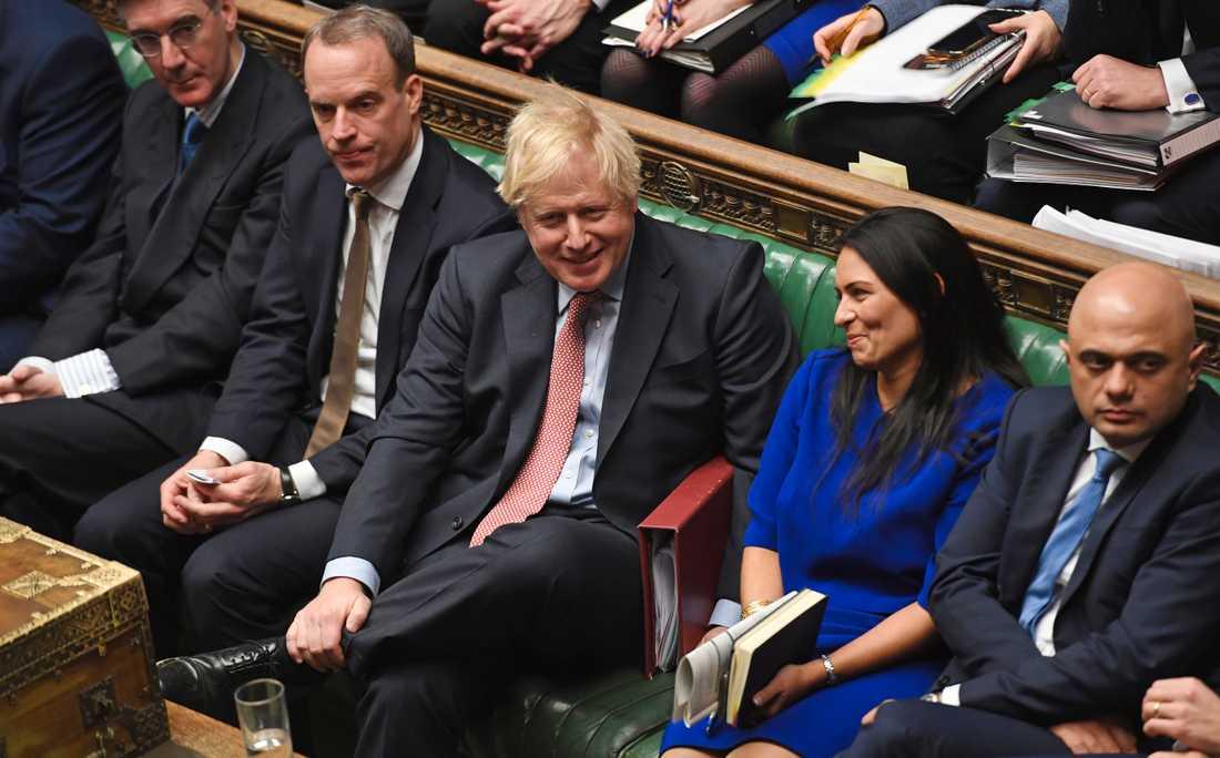 Boris Johnson stuvar om i sin regering efter att ha fixat en majoritet i parlamentet och tagit det stora brexitklivet.