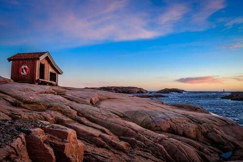 Tjurpannans naturreservat sydväst om Havstenssund.
