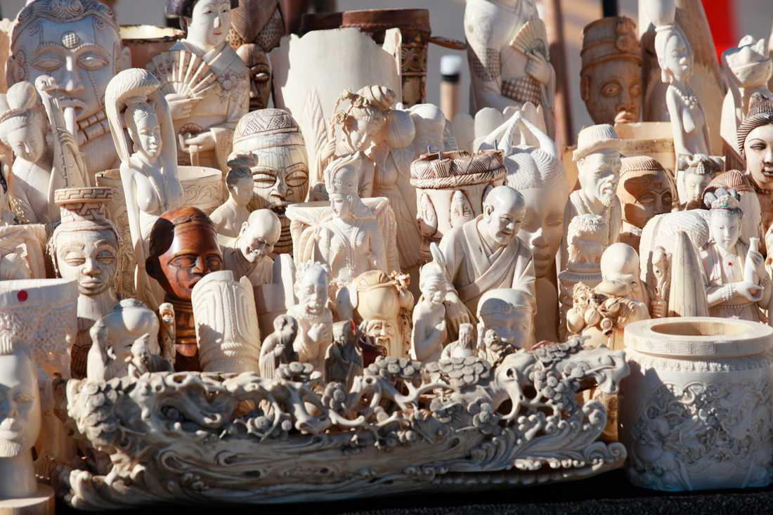 Mängder av föremål gjorda av elfenben krossades.