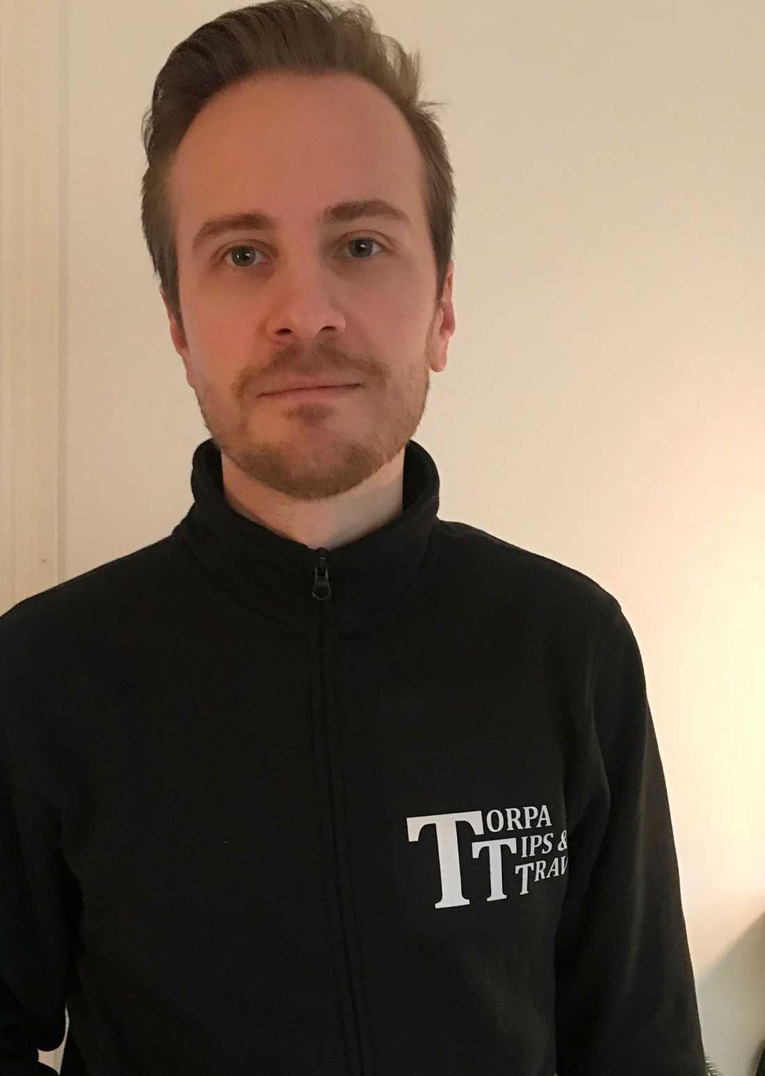 Micke Olsson som driver butiken Torpa Tips & Trav med sin familj.