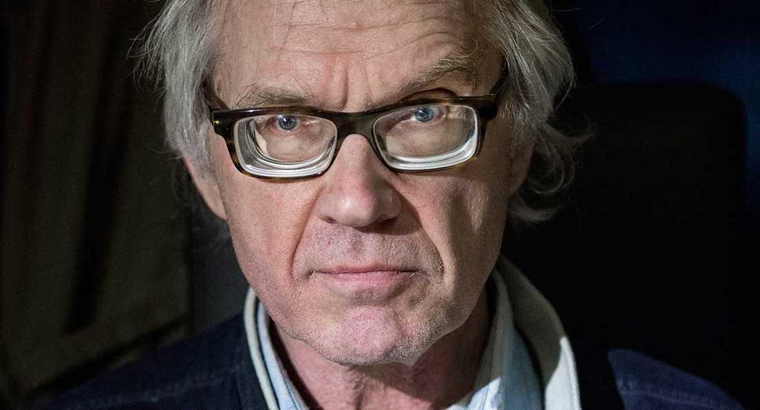 Dödshotad Konstnären Lars Vilks lever med ständigt livvaktsskydd.