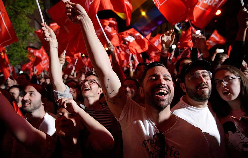 Socialdemokratiska väljare firar.