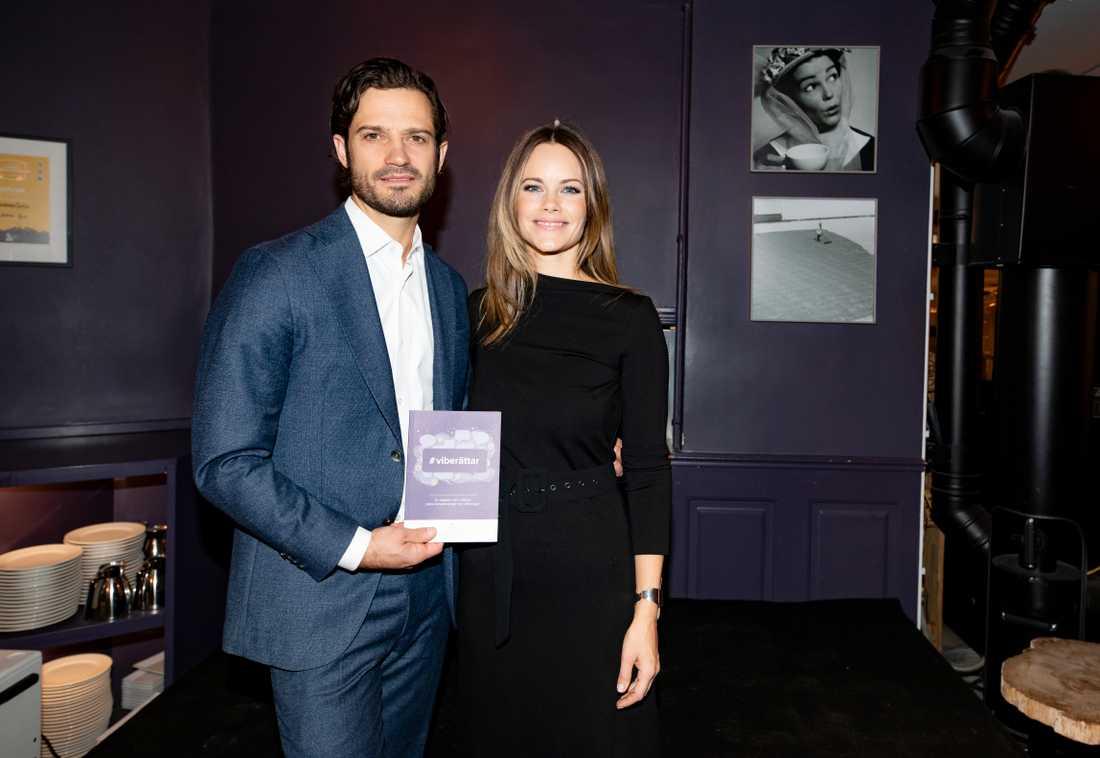 Prins Carl Philip och prinsessan Sofia Håller pressträff angående en kampanj kring näthat.