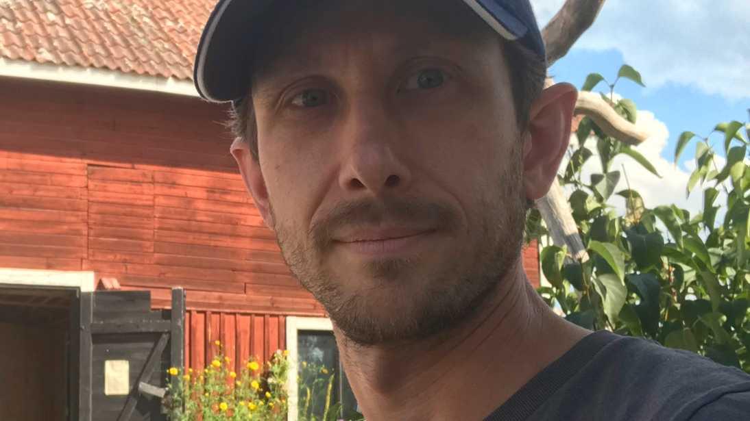 """""""Är någon ute med en barnvagn så måste den kasta sig i diket för att överleva. Det är så det ser ut här,"""" säger Tobias Marciszko."""
