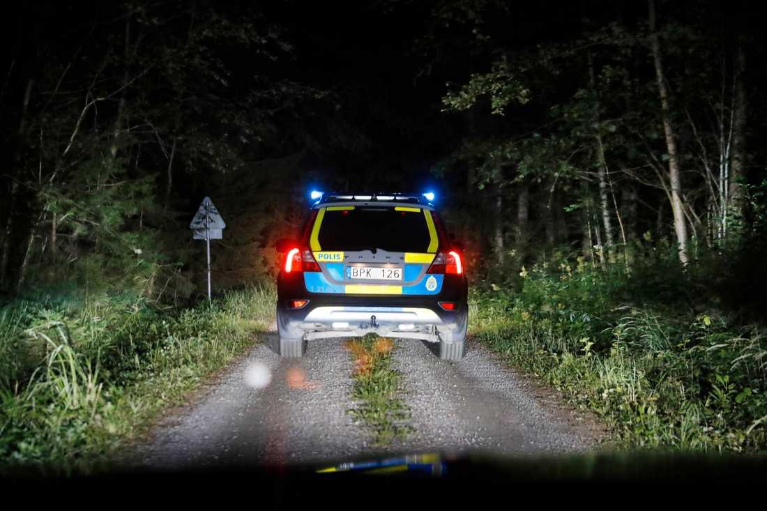 """""""Det är ett sommarstugeområde, grannar har hjälpt till att söka"""", säger Ivan Åslund, befäl vid polisens regionledningscentral."""