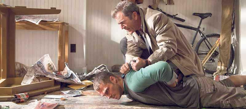 Mel Gibson tar lagen i egna händer.