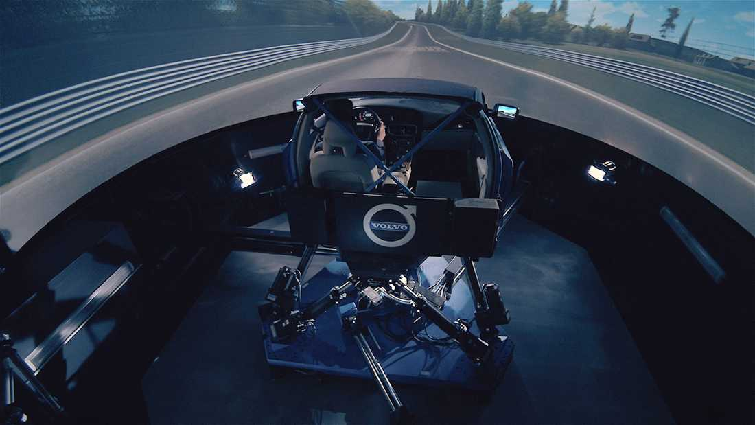 """Simulatorn har otroligt potential. Man kan """"köra"""" bilen i olika länder och testa under alla olika förhållanden."""