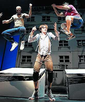 Peter Parker (Reeve Carney) i en scen innan han förvandlas till Spider-man.