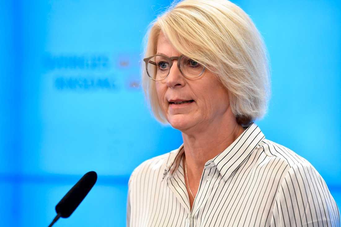 """""""Det är obegripligt för mig att regeringen och stödpartierna inte skjuter till mer resurser, för Åklagarmyndigheten går på knäna"""", säger Elisabeth Svantesson, ekonomisk-politisk talesperson för M. Arkivbild."""