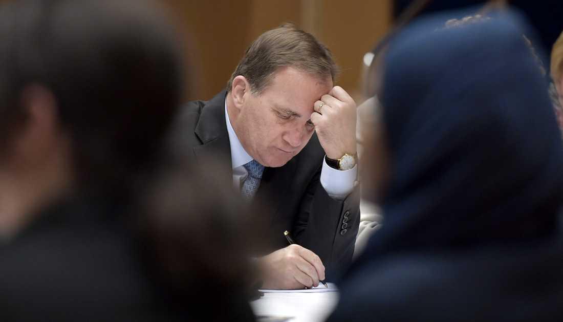 Statsminister Stefan Löfven (S) bör inte tillåta att de ekonomiska skillnaderna fortsätter att öka. Sverige håller på att bli ett tvåtredjedelssamhälle som blir otryggt för alla.
