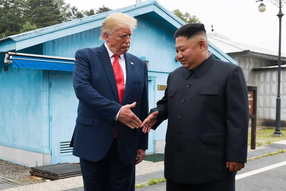 USA:s president Donald Trump mötte 2019 Nordkoreas diktator Kim Jong-Un i Panmunjom på gränsen mellan Nordkorea och Sydkorea.